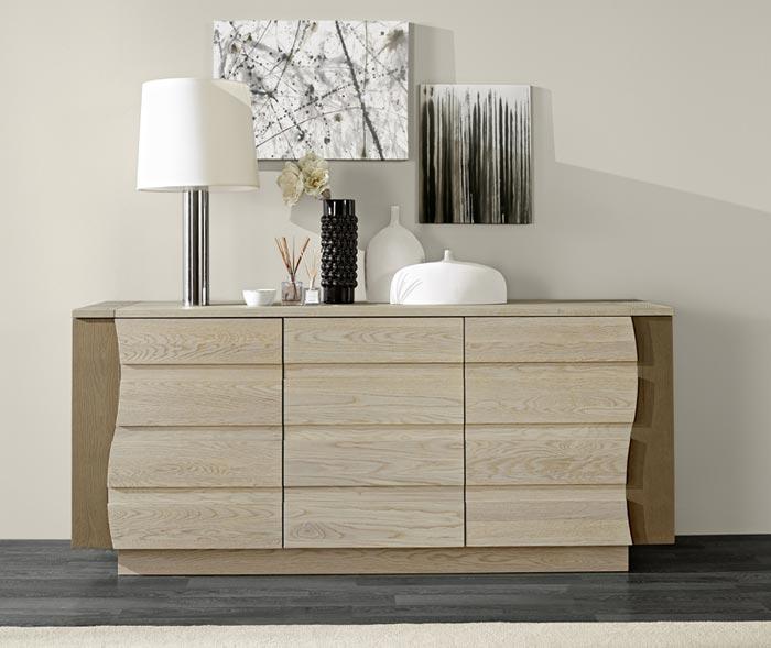 salle manger lady ch ne finition bois laqu meubles bois massif. Black Bedroom Furniture Sets. Home Design Ideas